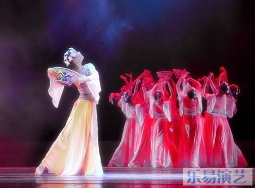 是中国古典舞基训中的一个独特的技巧
